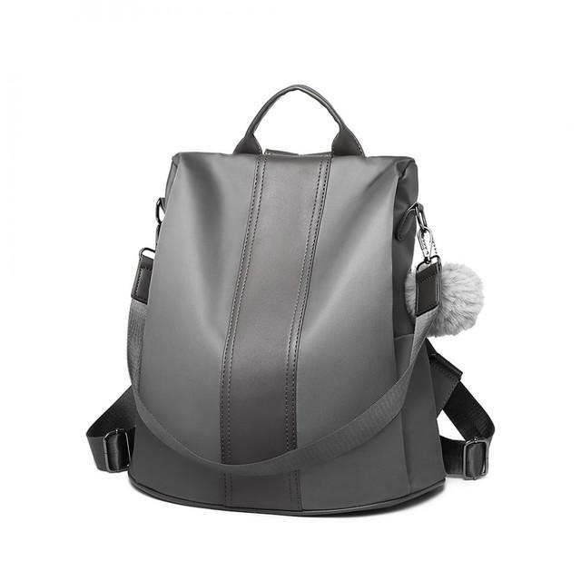 Batoh - elegantní přes rameno s PomPom přívěskem, šedý